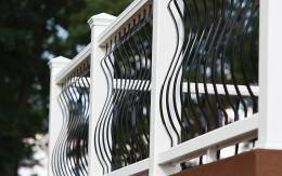 transcend-railing-classic-white-architectural-balusters-black